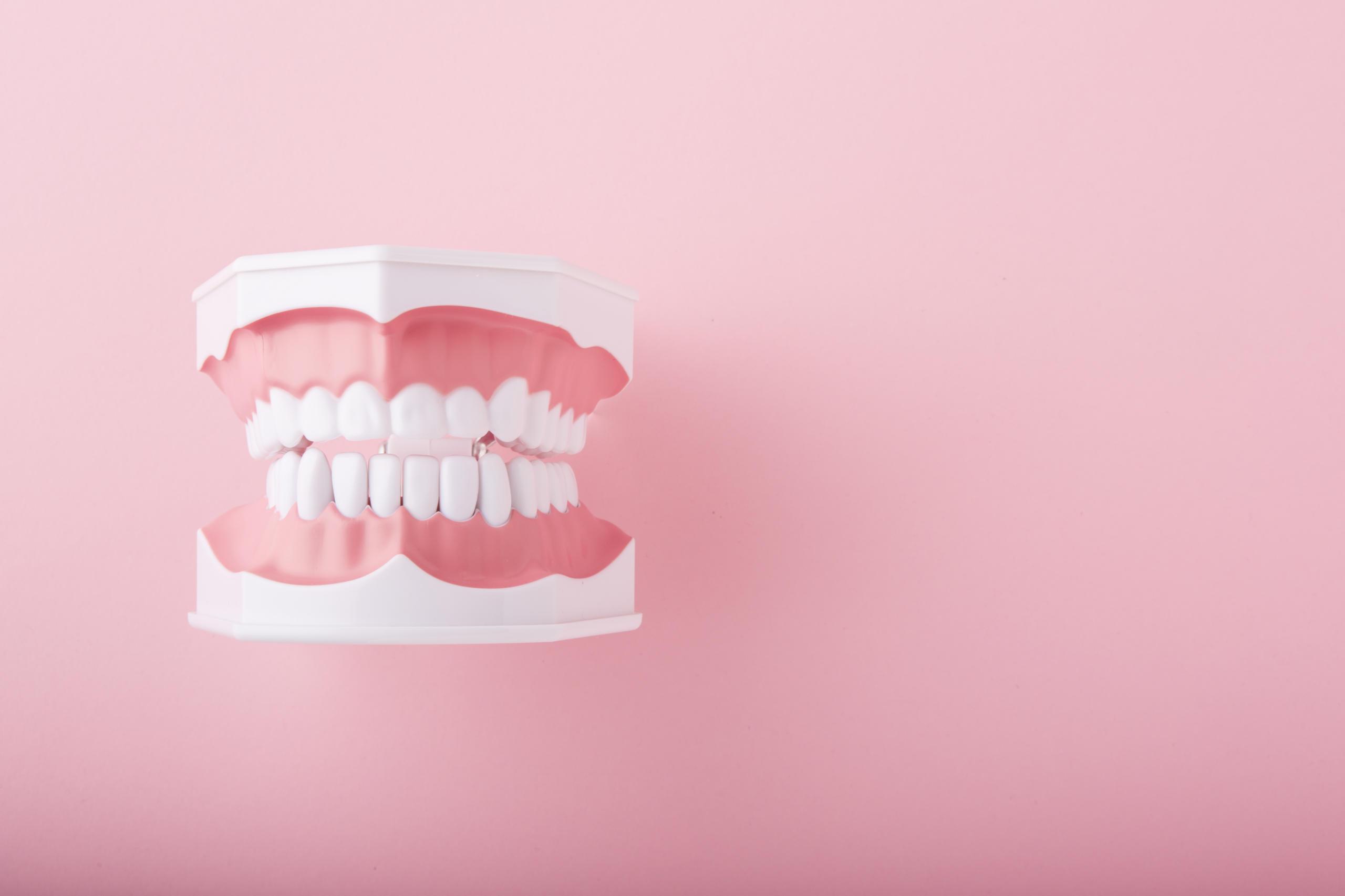 「歯がかゆい、歯茎がムズムズする」は歯茎の炎症のサイン!対処法は?