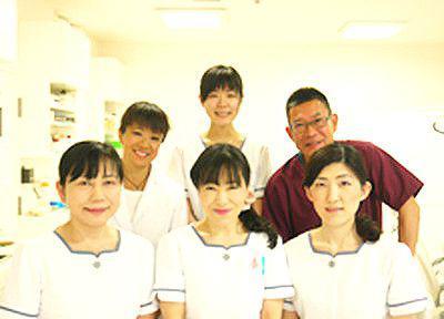 鈴木歯科医院の先生とスタッフ