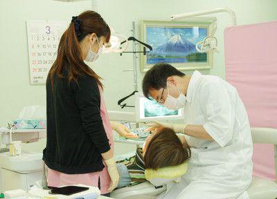 上尾コスモス歯科の治療風景