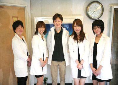 やまもと歯科クリニックの先生とスタッフ