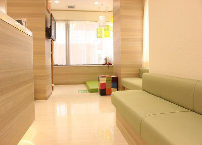 医療法人社団 義澤歯科医院の待合室