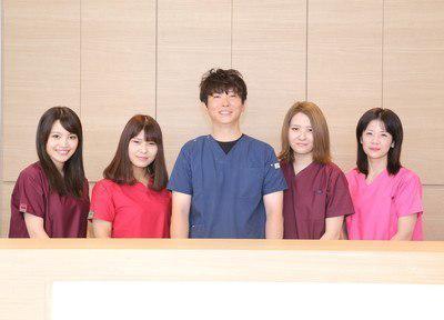 m2303894_staff3