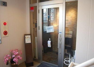 関デンタルオフィス 入口