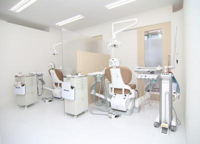 なお歯科クリニック 清潔感のある診療室