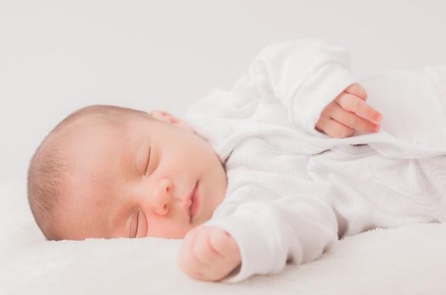 赤ちゃん_授乳後_歯磨き_アイキャッチ