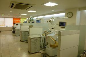 綱島駅前歯科医院