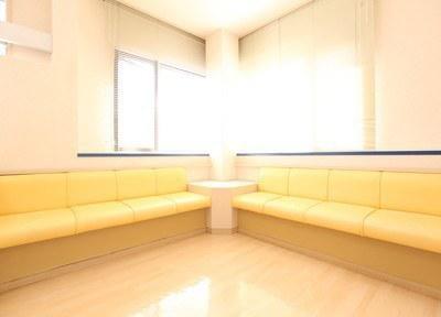 上田にしもと歯科医院 待合室