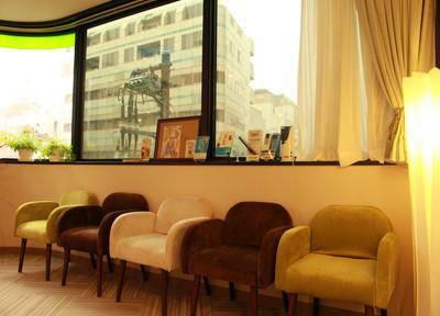 赤坂国際KG歯科 待合室