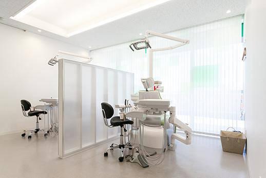 よつばの杜歯科クリニック 診療台