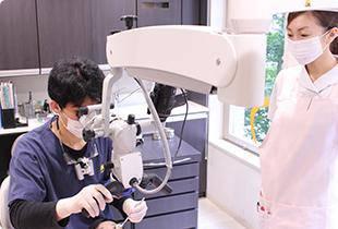 富田歯科医院 治療風景