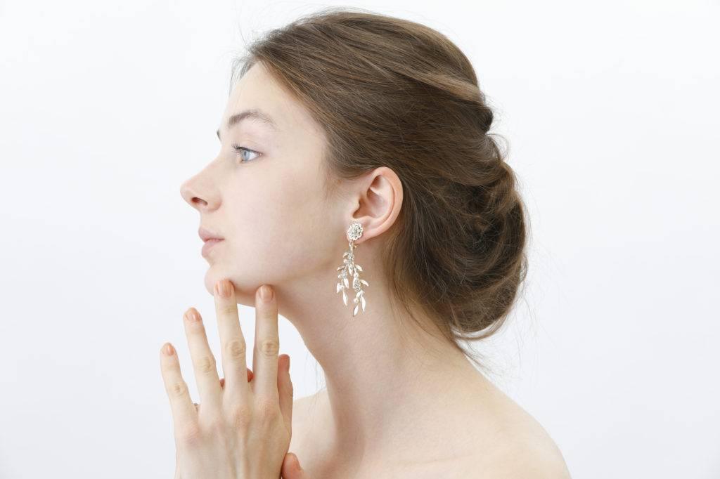 犬歯の矯正をして横顔に自信を持てるようになった女性の写真