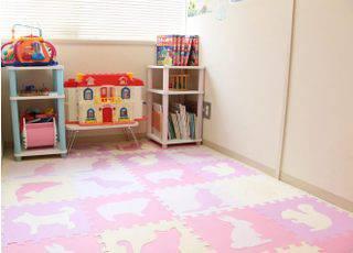 1.キッズルームと特別室で、子供に目が届きやすい環境を